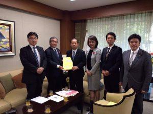自民党本部に自民党大阪市会議員団の思いを伝えて参りました。