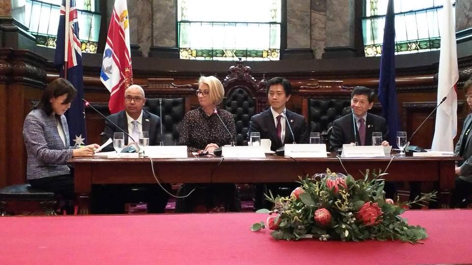 メルボルン サリー・キャップ市長表敬訪問